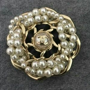 Authentic CHANEL Large Gold Bubble Pearl/Brooch